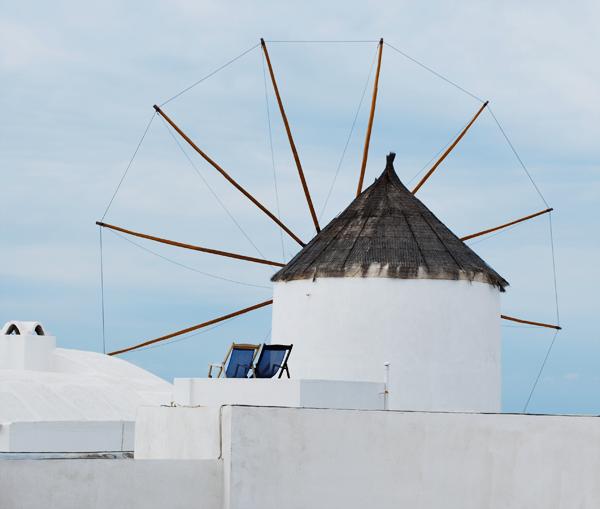 santorin célèbre pour ses moulins