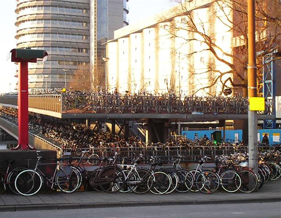 Amsterdam - Ses parking à vélos