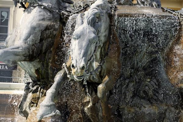 Fontaines de Buren à Lyon