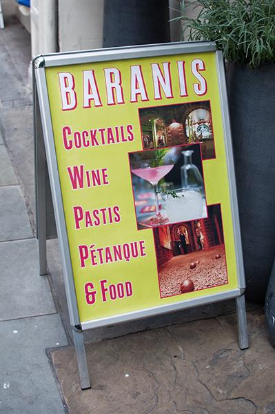 Jouer à la Pétanque au Baranis à Londres