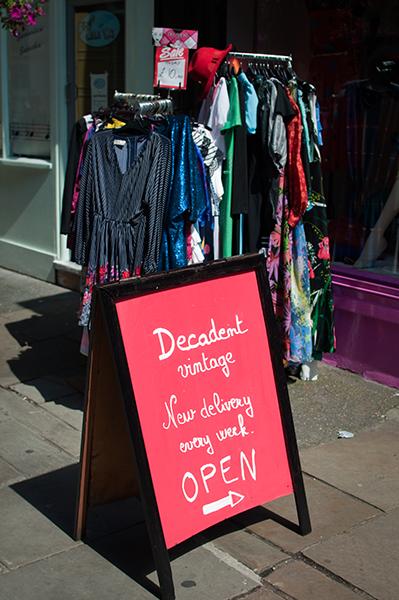 Boutique Decadent Vintage Londres