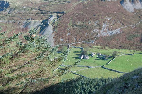 Vue sur le centre de langue Welsh de Nant Gwrtheyrn (Nord-Ouest)