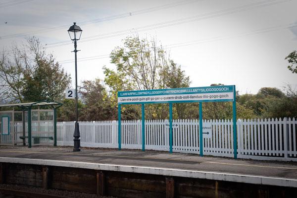 gare de Llanfairpwllgwyngyllgogerychwyrndrobwllantysiliogogogoch