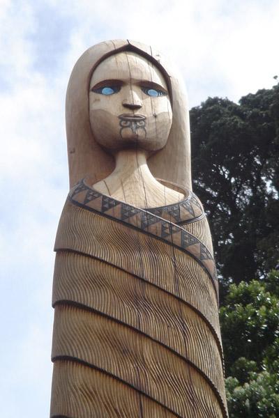 sculpture maori de nouvelle-zélande