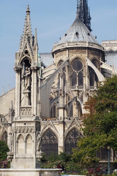 Paris chargée d'Histoire