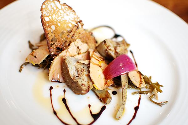 Entrée : Barigaule d'artichaut poivrade, lichettes de foie gras