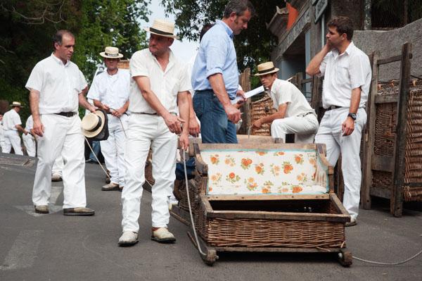 Descente de Funchal en carros de cesto