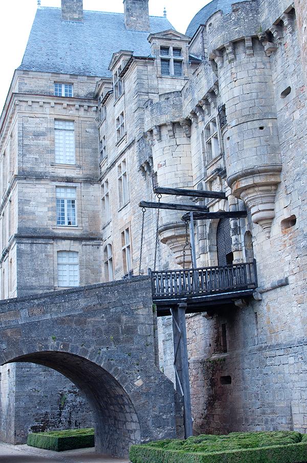 Pont levis du Chateau de Hautefort