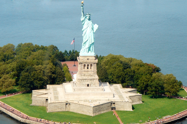 Survol de Big Apple en hélicoptère - La Statue de la Liberté
