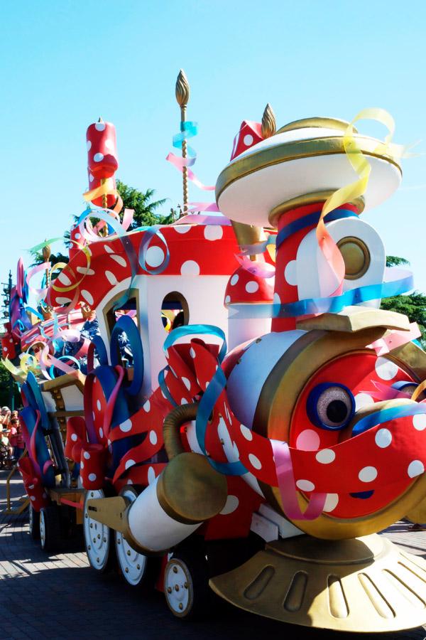 Le train de la parade Disneyland