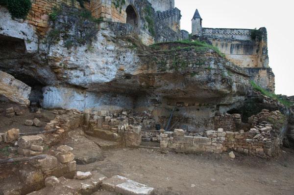 DSC 5057 Commarque, un château suspendu dans le temps