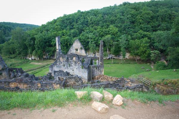 DSC 5058 Commarque, un château suspendu dans le temps