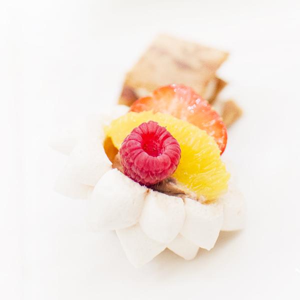 Le Pavlova meringue, chocolat Guanaja, parfum de thé