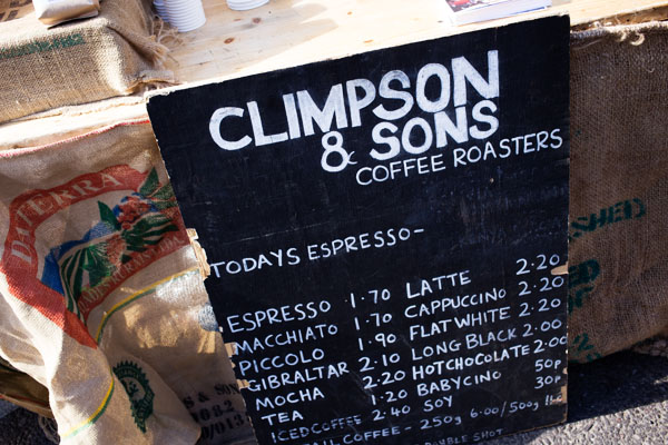 Flat white chez Climpson & Sons