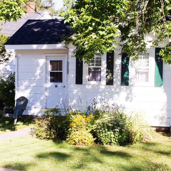 Roselawn lodging Wolfville Nova Scotia