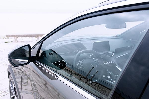 SUV Peugeot 5008