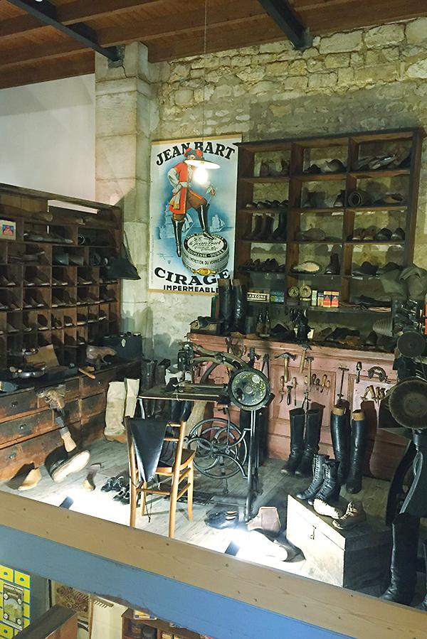 Musée des commerces d'autrefois à Rochefort - Cordonnier